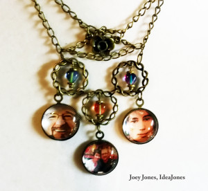 We can turn your photos into jewelry and ornaments!